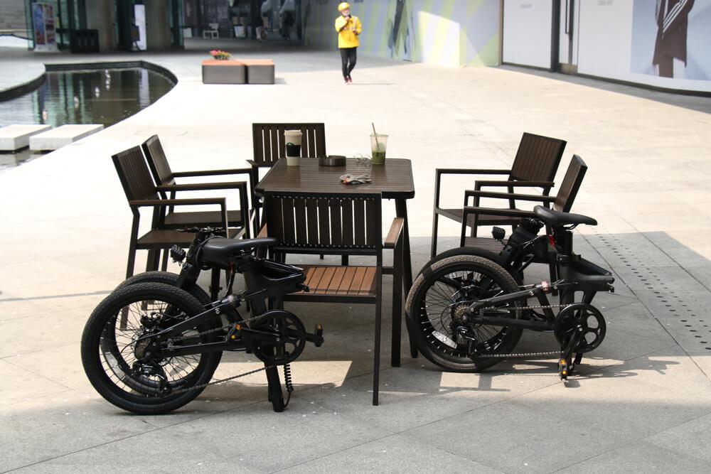 Vélos électriques pliants en carbone